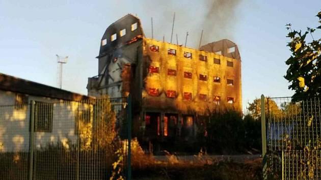 Požár sila ve Svitavách.