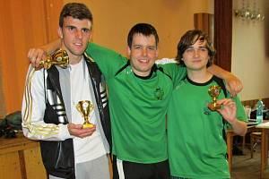 Nejlepší trojlístek českého poháru ve stiga hokeji 2013/14: zleva Patrik Petr, Zdeněk Matoušek a Yevhen Levdansky.