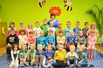 Prvňáčci ze základní školy v Brněnci