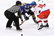 V klání proti Šumperku Litomyšlští (v bílém) nezačali dobře, ale zato bezvadně skončili a vyhráli.