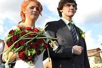Studenti zahradnické školy předvedli v Klášterních zahradách svatební kytice i modely z květin.