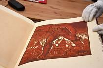 Portmoneum v Litomyšli získalo unikátní knihu Josefa Váchala Satanu za půl milionu korun ze sbírek Viléma Trmala.