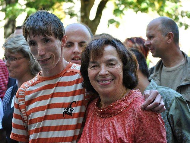 Livie Klausová na návštěvě v Domě na zámku v Bystrém.