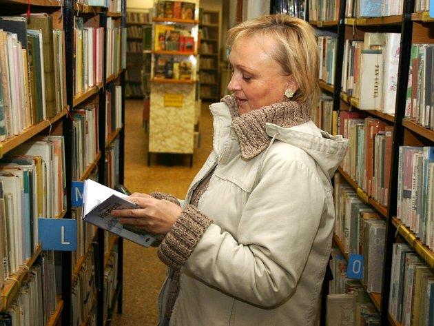 Evě Portlové ze Sádku se podoba nové Národní knihovny líbí. Výstřední architektuře se nebrání.