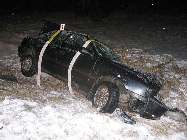 Dopravní nehoda u Mikulče si vyžádala těžké zranění spolujezdce.