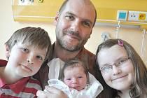 ROSÁLIE  POHORSKÁ.  Malá slečna se narodila v Litomyšli 12. května v 7.50 hodin. Rodičům Marii a Jiřímu udělala radost  2,95 kilogramy a 49 centimetry.  Vyrůstat bude  v Litomyšli se  sourozenci Vítkem a Karolínkou.