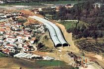 Hloubený tunel. Takto by podle autora návrhu alternativní trasy R35  kolem Litomyšle Jiřího Kalčíka vypadala stavba hloubeného tunelu u obce Řídký.