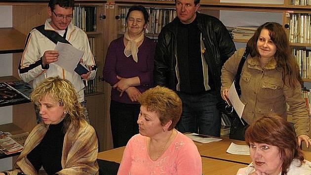 Zkoušky z češtiny skládají cizinci ve Svitavách.