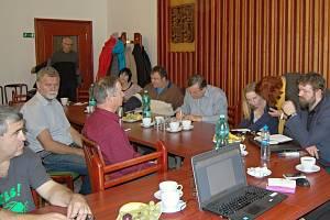 PRVNÍ SETKÁNÍ při řešení dostupného bydlení pro všechny skupiny obyvatel v Poličce se uskutečnilo v říjnu.