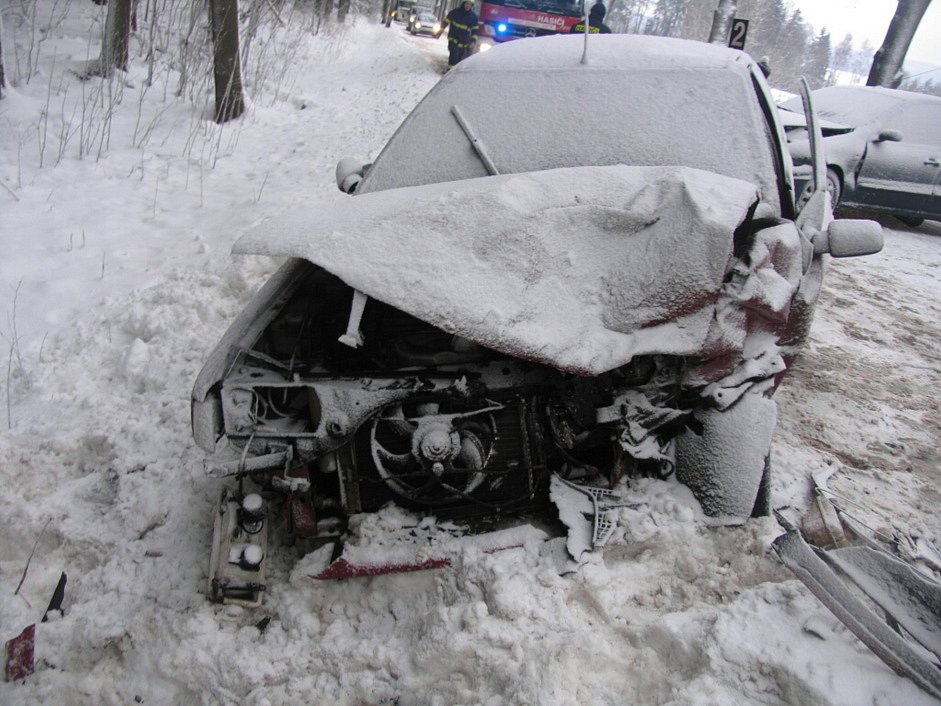 Nehoda na silnici z Bystrého na Jedlovou (Svitavsko).