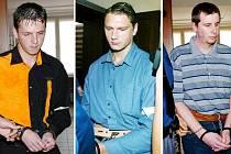 Soudní proces. Zleva Tibor Zeman, Pavel Feierfeil a Jiří Salavec, kteří se u krajského soudu zpovídají z dvojnásobné vraždy.