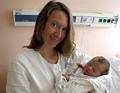 JAN BŘEZINA je po dvouletém Jindřichovi dalším dítětem Markéty a Jana ze Svitav. Narodil se 3. srpna, vážil 3200 gramů a měřil 49 centimetrů.