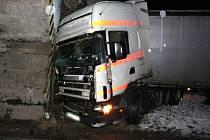Nehoda kamionu u Hradce nad Svitavou.