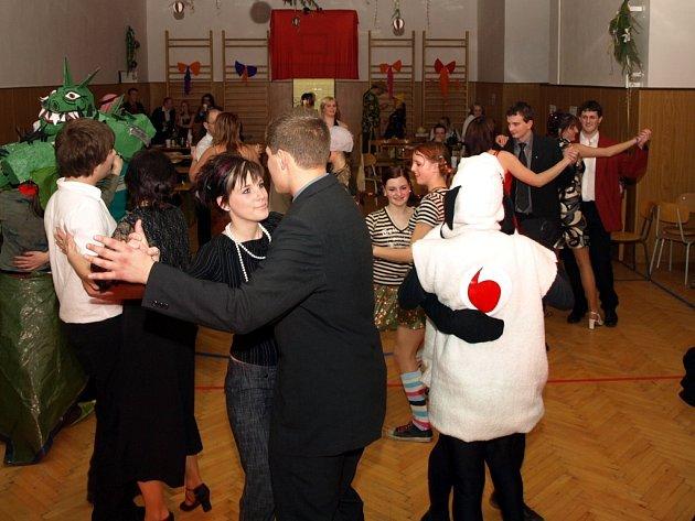 Zámecký maškarní ples v Bystrém.