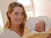 ROBERT ODEHNAL. Narodil se 7. září Kateřině a Zdeňkovi z Hradce nad Svitavou. Měřil 47 centimetrů a vážil 2,91 kilogramu.