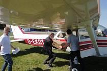 Piloti pomáhají nemocnici