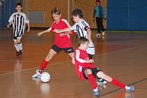 Jedenáct kolektivů zavítalo do sportovní haly Na Střelnici na fotbalový turnaj mladších žáků Svitavy Cup 2010.