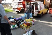 PARTA HASIČŮ z Cerekvice pomáhala vytopeným lidem v Rudníku. Lidé z obce navíc poslali  do zasažené obce materiální pomoc