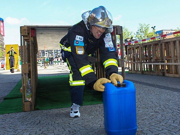 Martin a Jiří Štáblovi z Vranové Lhoty reprezentují rodnou obec a celou republiku v hasičských soutěžích.