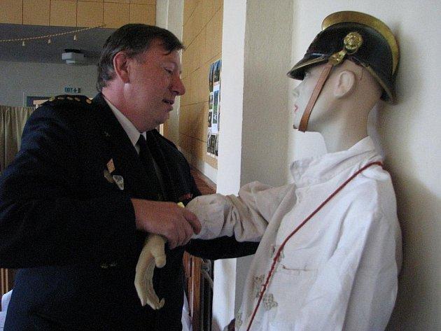 Setkání nositelů titulu Zasloužilý hasič z Pardubického kraje v sobotu hostilo Telecí na Poličsku.