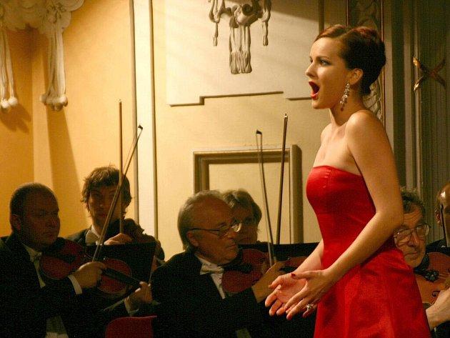 """Opera se uskutečnila letos pod """"májovým stropem"""". Ilustrační fotografie"""