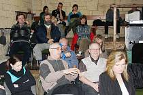 V Divadelním klubu se ve středu živě diskutovalo. Představitelé města, architekt i zástupce stavební firmy odpovídali na otázky týkající se revitalizace Palackého náměstí.