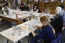 Malování, pletení a řemesla všeho druhu. To jsou oblíbené víkendové činnosti na některých místech Svitavska. Tradice udržují i v malých vesničkách.
