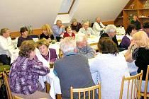 Obecní úřad ve Vítějevsi připravil pro seniory u příležitosti oslavy svátku seniorů akci s názvem Přátelské posezení při kávě.