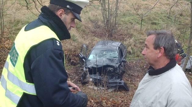 Ilustrační foto: Řidička nepřežila náraz do stromu vloni u viaduktu ve směru ze Svitav na Brno.