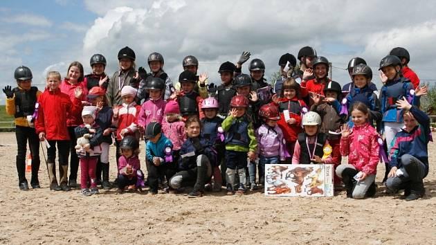 ÚČASTNÍCI JEZDECKÝCH her pro děti strávili na Suché velmi příjemný den se spoustou zážitků a také sportovních úspěchů.