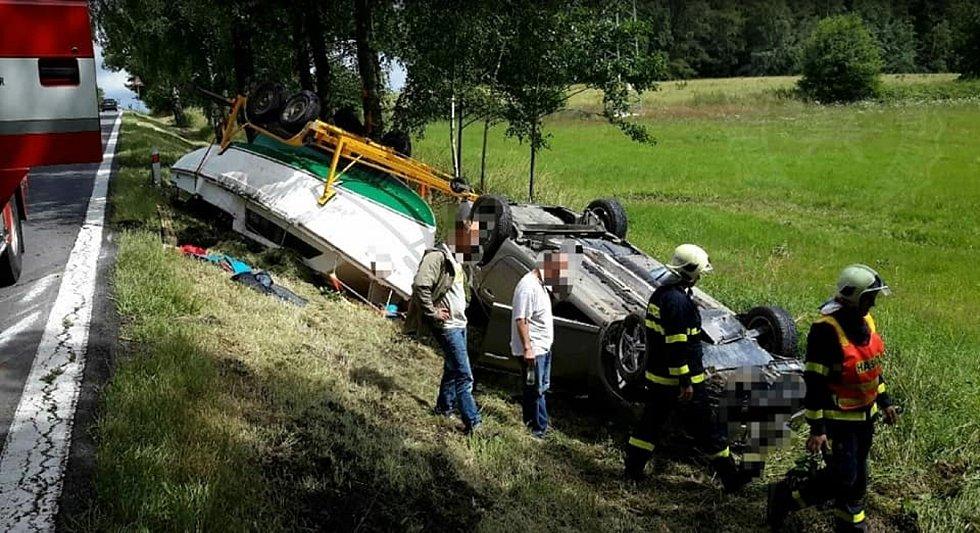 Hrozivě vypadající nehoda se naštěstí obešla bez zranění.