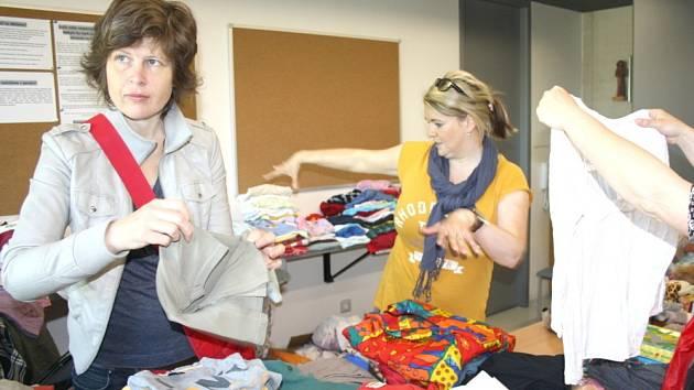 Koupí trička, kalhot nebo hraček pomůžete sirotčinci v Keni