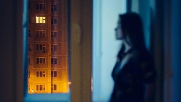 Na webové adrese www.nenech.se najdete informace, kam se v případě domácího násilí dále obrátit.