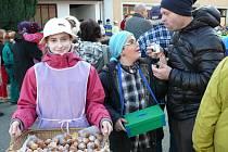 Masopustní veselí mají v Morašicích v režii hlavně děti. Oprášit staré zvyky se jim daří na výbornou.