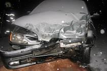 Srážka dvou vozidel na křižovatce v Kamenci.