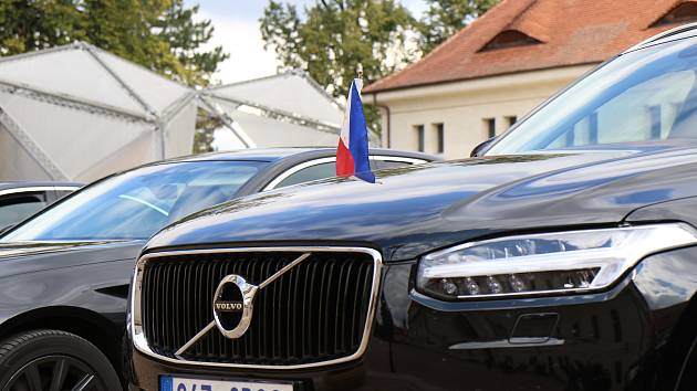 Dvaapadesát velvyslanců navštívilo na pozvání ministra zahraničí Tomáše Petříčka Litomyšl.
