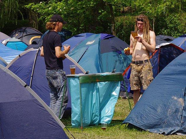 Třináctý ročník hudebního festivalu pod širým nebem Poličské rockoupání.