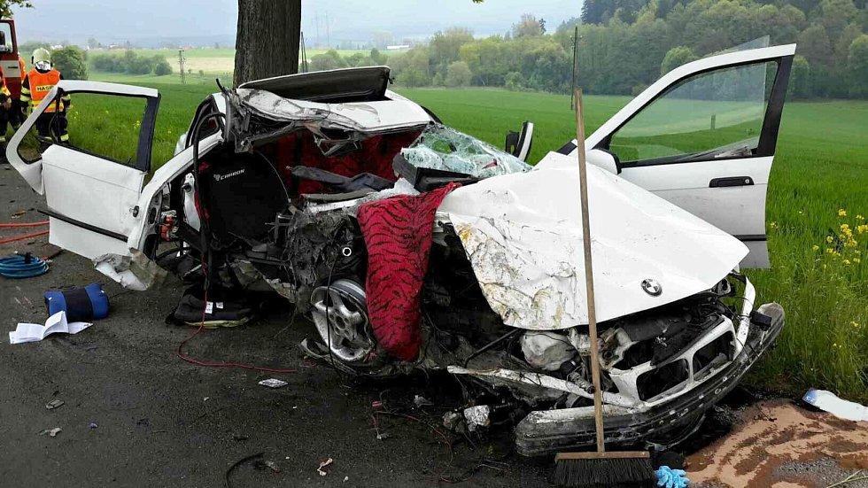 Řidič narazil do stromu v květnu u Starého Města a na místě zemřel. Ve voze seděly ještě tři děti. Ty utrpěly zranění