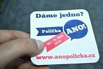 DÁME JEDNO? S kontaktní kampaní na pivních táccích přišel podnikatel Radim Totušek.