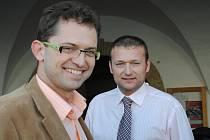 Miroslav Kroupa (vpravo) a Michael Zachař, který přednesl úvodní slovo k výstavě.