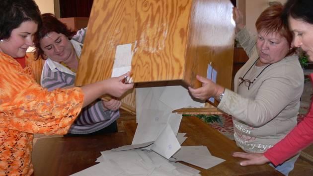 Sčítání hlasů. Ilustrační foto.
