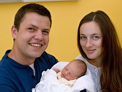 ELIŠKA RENSOVÁ. Narodila se 19. června Lence a Janovi z Lubné. Měřila 46 centimetrů a vážila 2,7 kilogramu.