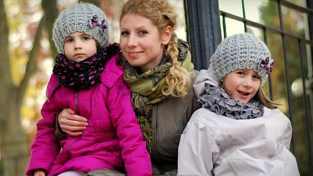 Dula Lucie Podhrázská Dušková  se svými dcerami.