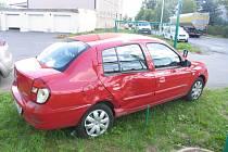 Na ulici P. Jilemnického v Poličce se v pondělí srazila dvě auta