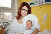 MAREK CRHA. Z Moravské Třebové jsou Petra a Vladimír, kteří se od 17. listopadu  těší z narození prvního syna. Marek vážil 3,52 kilogramu a měřil 50 centimetrů.