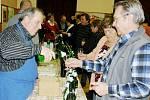 V Poličce koštovali padesát čtyři vzorků vín.
