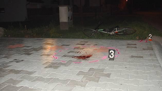 V neděli po třiadvacáté hodině havaroval v obci Kunčina opilý cyklista. Narazil do nájezdu.