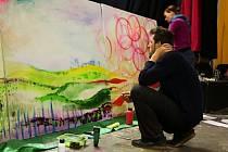 TROJICE UMĚLCŮ. Multimediální tvůrkyně Veronika Bromová, ilustrátorka Veronika Jílková a designér Štěpán Jílek přijali výzvu, aby odhalili proces tvorby i prostřednictvím internetového on-line přenosu.