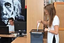 Studenti svitavského gymnázia si vyzkoušeli volby