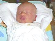JAN LOUKOTA. Rodiče Eva a Milan z Lavičného se od 7. května 8.12 hodin radují z narození syna. Ve svitavské porodnici mu navážili 3,4 kilogramu a naměřili 52 centimetrů.